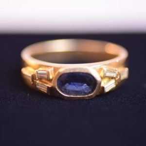 18 Karat Gold Crystal and Oval Sapphire Ring