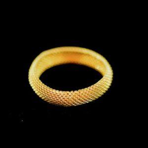 18 Karat Yellow Gold Soft Mesh Ladies Ring