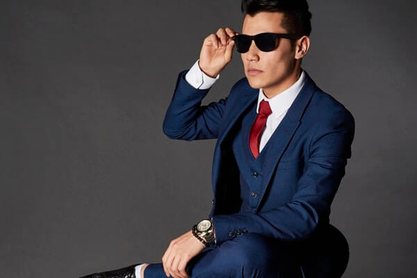 Luxury-items-for-men-In-the-office-at-home-and-your-personal-style