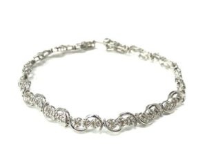 Ladies Tennis Bracelet 3 Round Diamonds Per Link