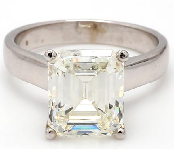 color grade - J - diamond ring